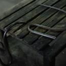 長年の使用から先が丸くなった鉄の道具