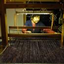 太い真綿糸は手織りでないと織ることができない YUKI OKUJUN